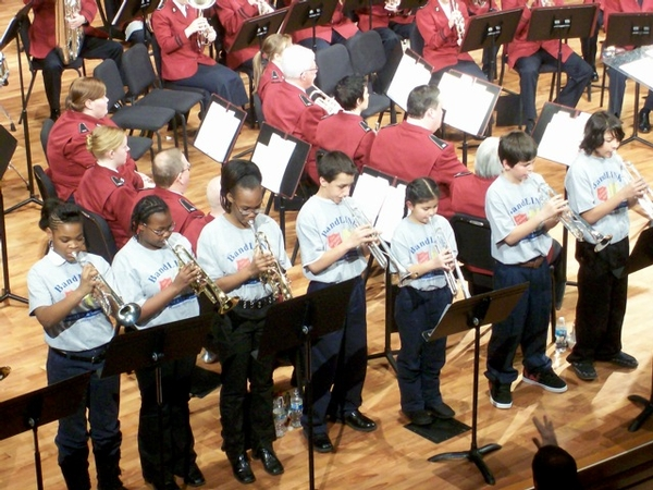 Bandlink Students Performing